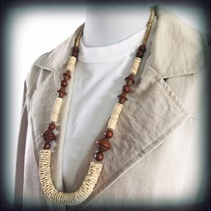 African Wood Disk & Bead Necklace NWOT